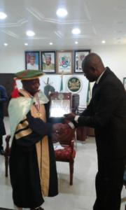 98RT.HON.DR ALI BABATUNDE AHMAD, SPEAKER KWARA STATE HOUSE OF ASSEMBLY RECIEVED THE INSTITUTE FELLOWSHIP AWARD